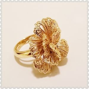 Stella & Dot Gold Geneva Lace Flower Ring Size 5-8